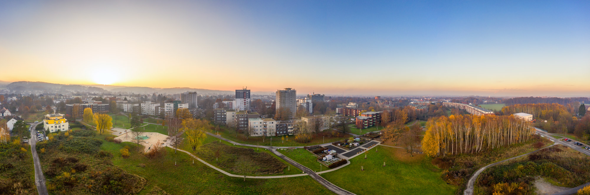 Residential area on 'Stralsunder Straße' in Bielefeld-Stieghorst (Panorama).