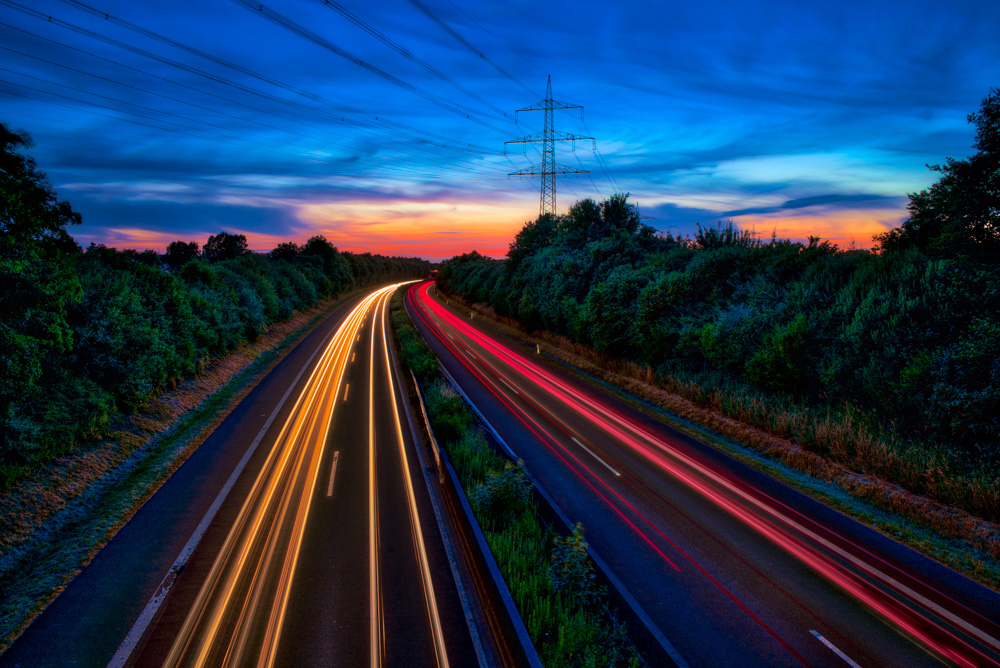 Light trails on the B66 at Bielefeld-Ubbedissen