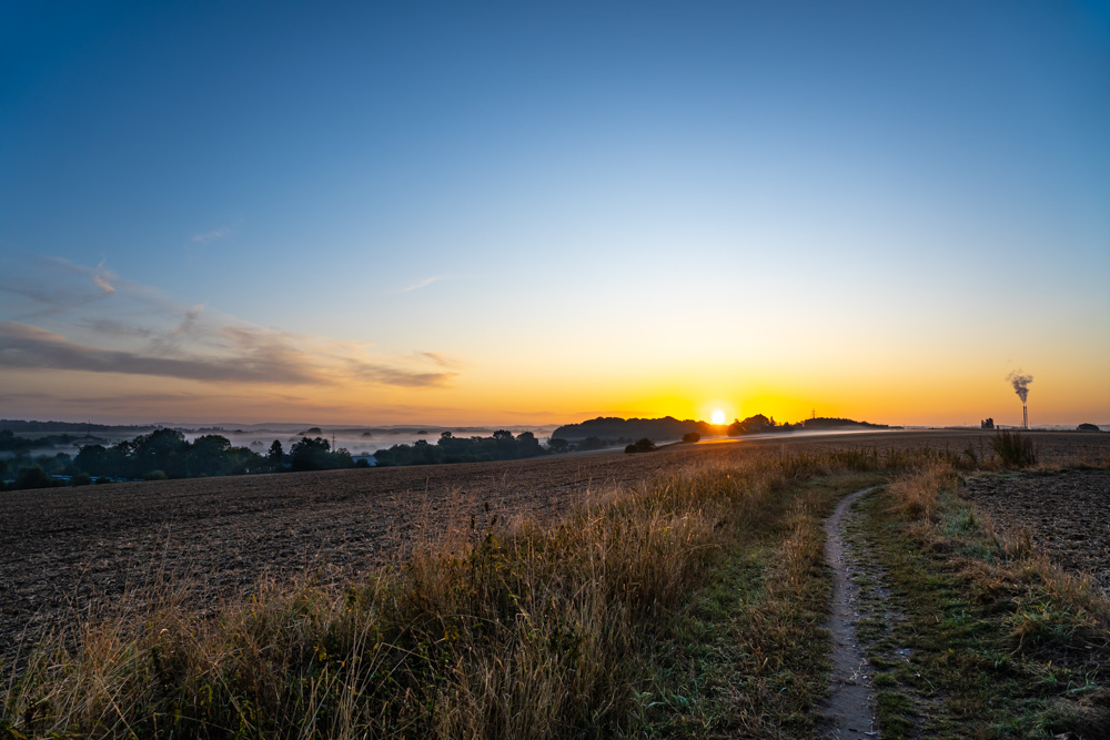 First sunlight in the fields (Bielefeld, Germany).