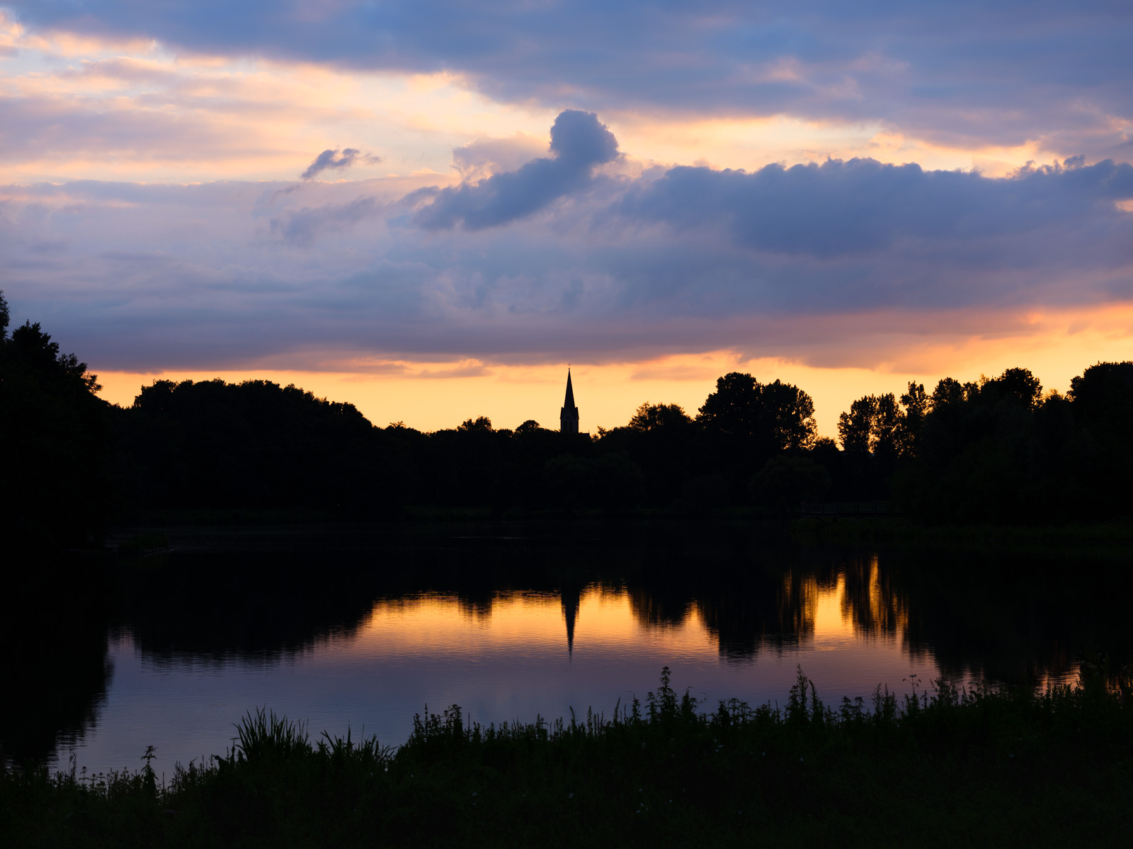 Summer evening at 'Obersee' in July 2020 (Bielefeld, Germany).